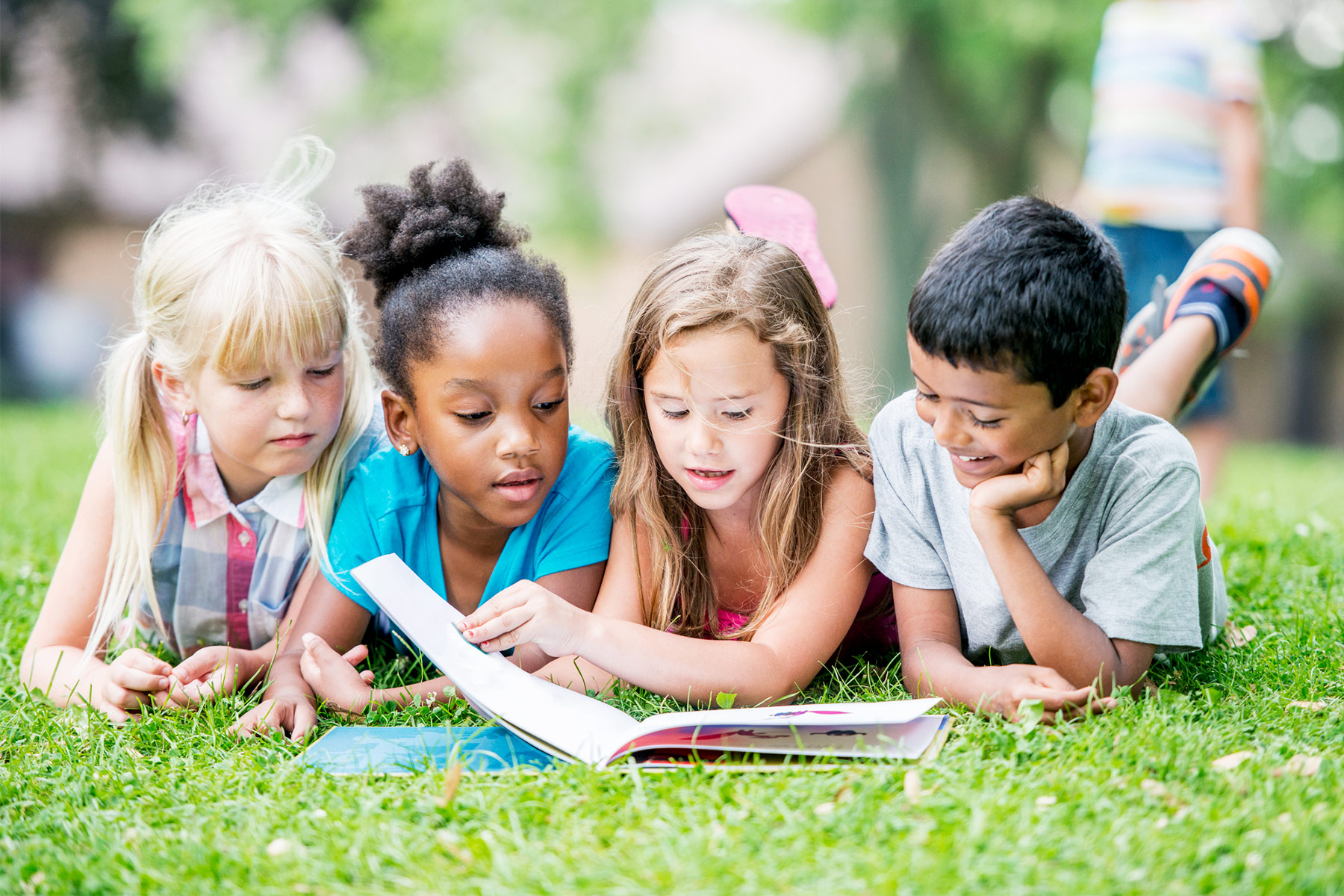 6 Benefits of Summer Reading Programs